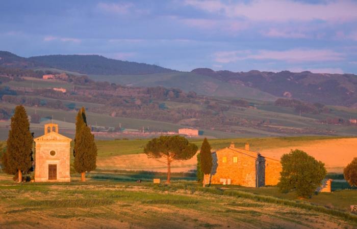 Photo prise lors d'un séjour photo de paysage en Toscane au printemps, Chapelle Vitaletta au crépuscule